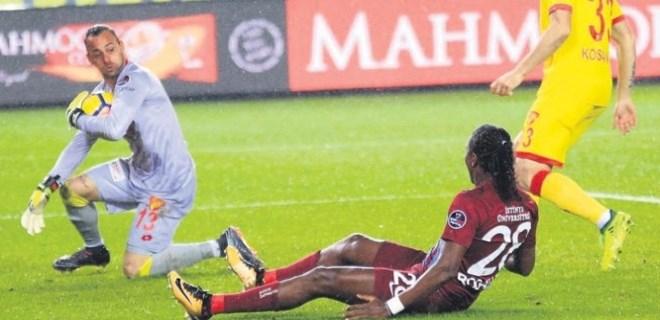Trabzonspor 'Beto'na çarptı!