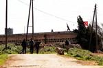 Terörden temizlenen köylere Türk bayrağı asılıyor