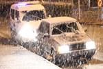 Karaman'a lapa lapa kar yağdı!