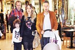 Sarıoğlu ailesinin AVM keyfi