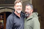 Cem Yılmaz ve Russell Crowe'un Oscarlık dostluğu