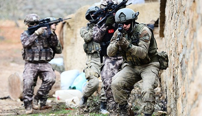 PKK'ya Irak'ta üçlü operasyon!