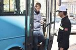 Halk otobüsü şoförü sarhoş çıktı!