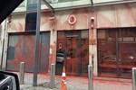 Brüksel'deki Türk konsolosluğuna 'boyalı' saldırı