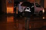 Adana'da bar önünde silahlı kavga!