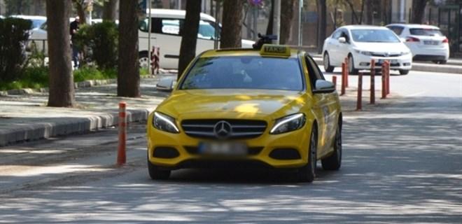 ÖTV düştü, lüks otomobili taksi yaptı!