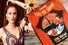 Televizyon dizilerinin aranılan oyuncularından Ceyda Düvenci, tatlı bir telaş içinde.