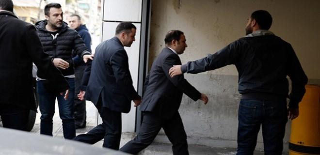 Yunanistan'daki sekiz firari FETÖ'cüden biri serbest