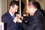 Esad, Fransa'dan aldığı nişanı geri verdi