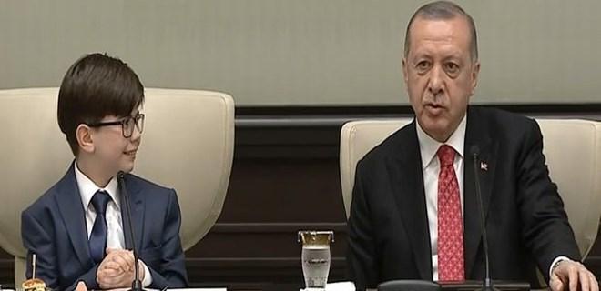 Erdoğan, Milli Eğitim Bakanı ve çocukları kabul etti