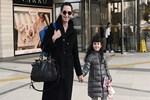 Ayşe Tolga kızıyla alışveriş turunda