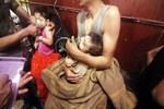 Esad rejimi Duma'ya kimyasal silahla saldırdı!