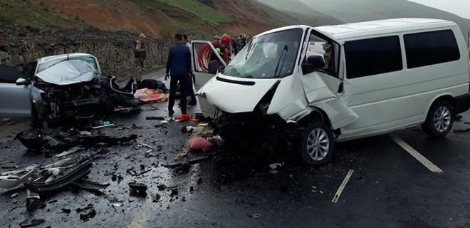 Erzurum - Bingöl yolunda feci kaza!..