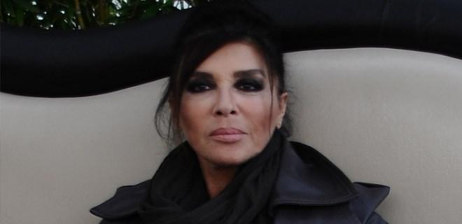 Nebahat Çehre'nin annesi vefat etti!