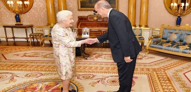 Cumhurbaşkanı Erdoğan Kraliçe 2. Elizabeth ile görüştü