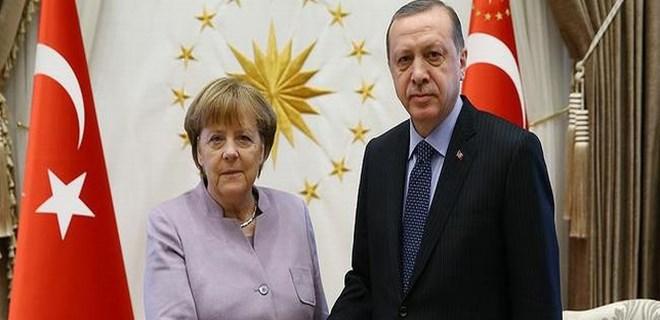 Cumhurbaşkanı Erdoğan, Merkel'le görüştü!