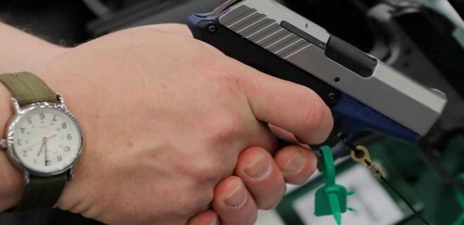 Silah çetesinden rüşvetçi polisler çıktı!