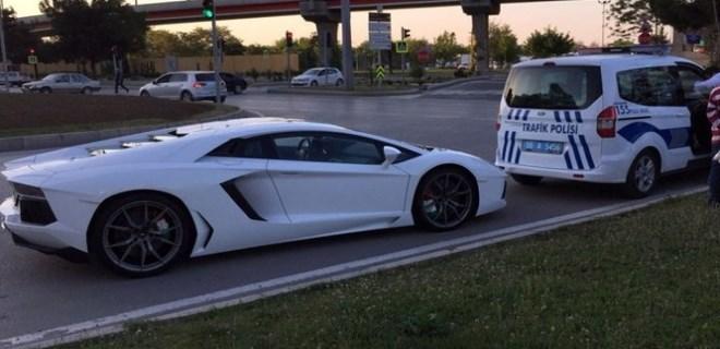 Lüks otomobile 'abart egzoz' cezası