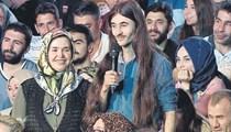 Uzun saçlı genç Nihat Hatipoğlu'na sordu