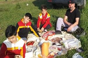 Mustafa Erdoğan, Aslanlarla piknik keyfi yaptı