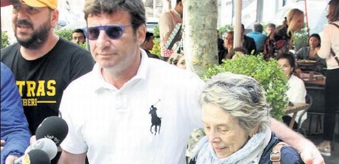 Hülya Avşar'ın Selfi'si Kaya Çilingiroğlu'nu duygulandırdı