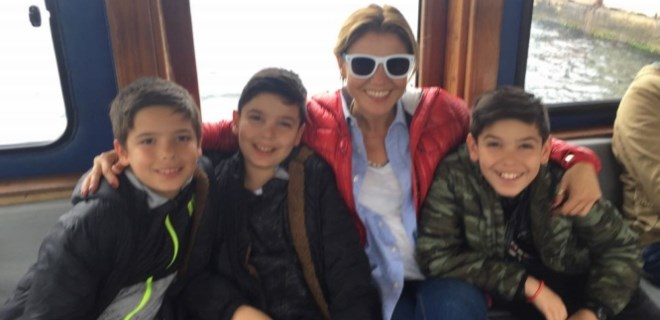 Gülben Ergen'den oğullarıyla beğeni toplayan paylaşım