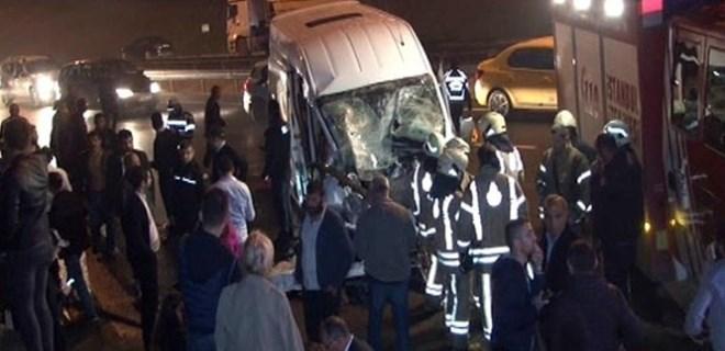 İstanbul'da düğün dönüşü feci trafik kazası!