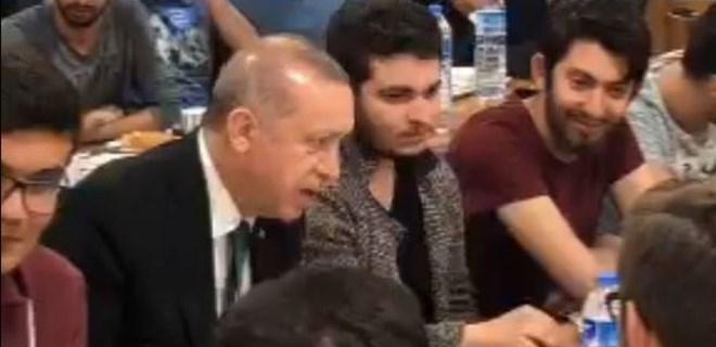 Erdoğan'dan sahur davetine sürpriz ziyaret