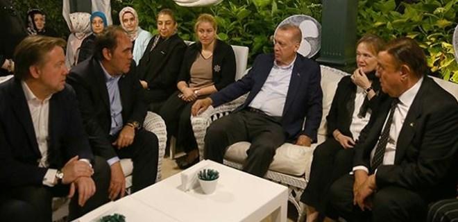 Cumhurbaşkanı Erdoğan'dan Demirören ailesine taziye ziyareti