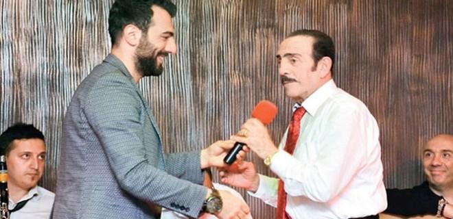 Mustafa Keser, oğlu Emrah'la düet yaptı