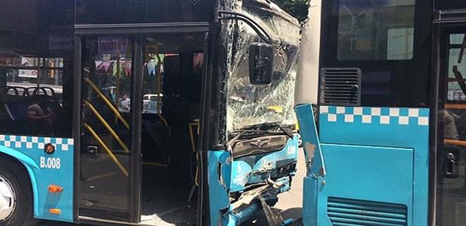 Şişli'de otobüsler çarpıştı!..