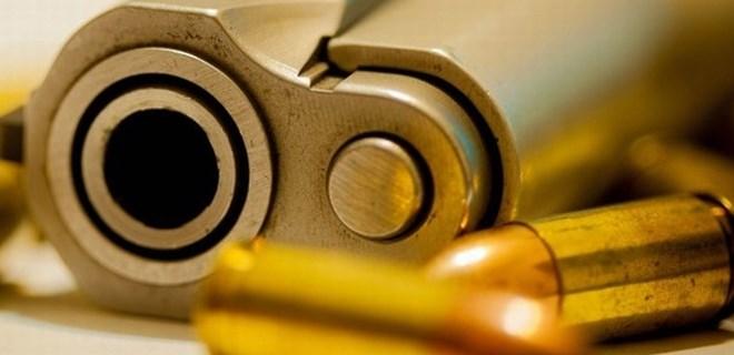 10 yaşındaki çocuk tabancayla 6 yaşındaki kardeşini öldürdü