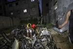 İsrail Gazze'de sivil araca saldırdı