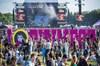 Hollanda'da düzenlenen bir müzik festivalinde bir otobüs konser alanındaki kalabalığa daldı. Olayda...