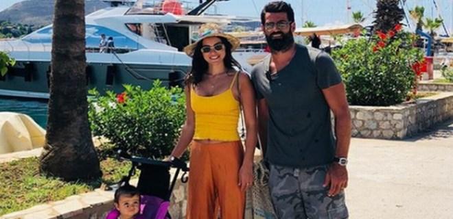 Demirel ailesi üç haftadır denizde