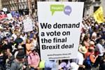 Brexit karşıtları sokağa döküldü