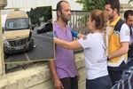 Tarabya'da minibüs ve otomobil kafa kafaya çarpıştı