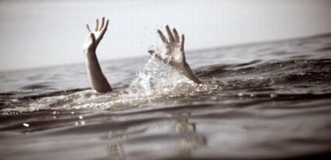 Denizde boğulan yaşlı adam hayata döndürüldü!