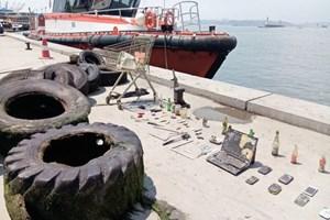 Denizden çıkan atıklar sergilendi