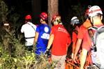 Kayalıklardan düşen şahıs 6 saat sonra kurtarıldı!