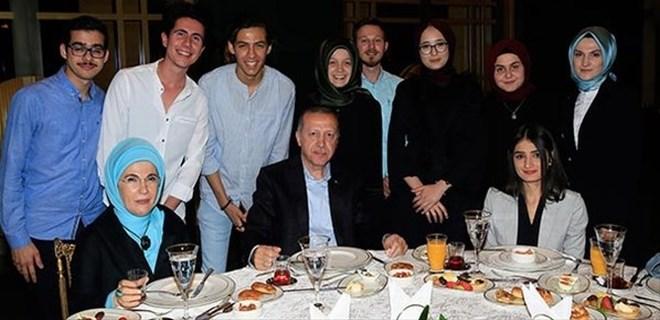 Cumhurbaşkanı Erdoğan Külliye'de gençleri ağırladı