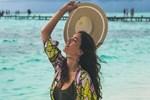 Pelin Akil, Maldivler'de keyfine bakıyor