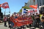 Avusturya'da aşırı sağcı hükümet protesto edildi