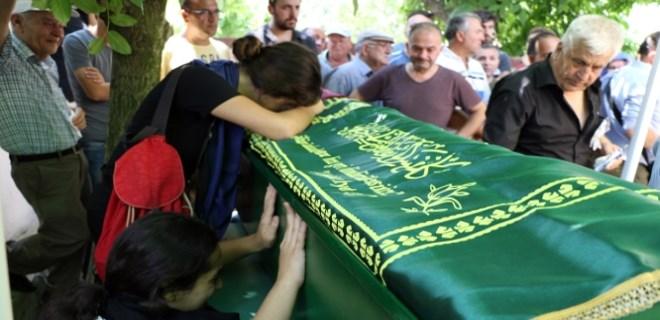 Genç kızların cenazesinde gözyaşları sel oldu aktı!