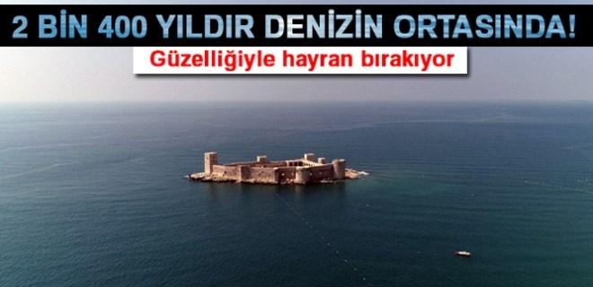 Denizin ortasındaki 2 bin 400 yıllık kale!