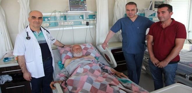 80 yaşına kadar kalbi delik yaşadı