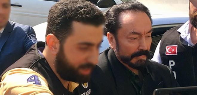 Adnan Oktar operasyonunda ünlü gömlekçi gözaltına alındı!