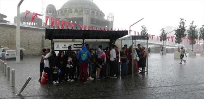İstanbullular dikkat! Meteoroloji saat verip uyardı!