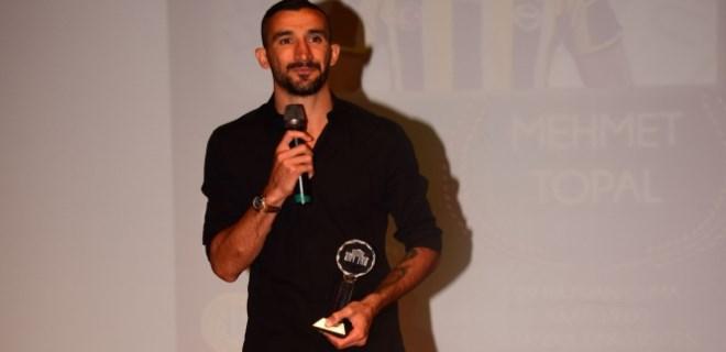 Öğrencilerden Mehmet Topal'a ödül