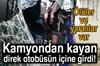 Trabzon'un Vakfıkebir ilçesi Yalıköy Mahallesi'nde iş kamyonundan kayan elektrik direği halk...